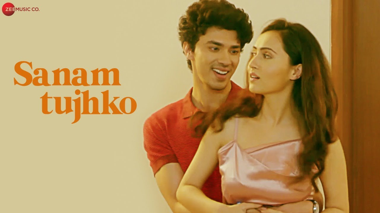 Sanam Tujhko Lyrics - Kumar Sanu | Gautami Roy, Indraneel, Varsha Rekhate